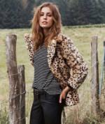 model-fake-fur-leopard