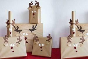Weihnachtsgeschenke aus Paketpapier