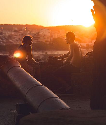 Paar beim Sonnenuntergang.