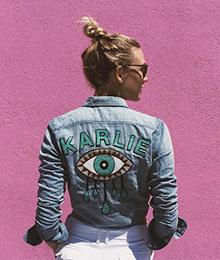 tres-click-karlie-kloss-denim-jacket-jeansjacke-personalisiert-patches-fashion