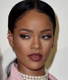 """Rihanna gewann """"Shoe of the Year""""."""