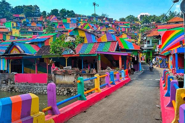 tres-click-rainbow-village-instagram-travel-2