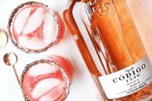 pinkfarbener-tequila-codigo