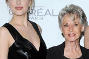 Dakota Johnson verrät den geheimen Mascara-Hack ihrer Großmutter Tippi Hedren