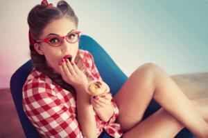 Eine Studie sagt jetzt, dass dich eine Low-Fat-Diät umbringen kann