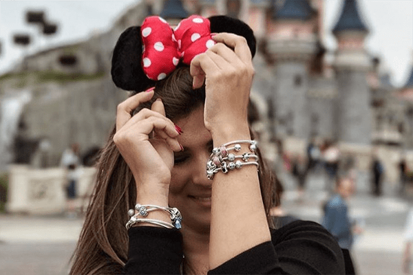 Disney und Pandora machen gemeinsame Sache und dabei kommen viele kleine Charms im Prinzessinnen-Stil heraus