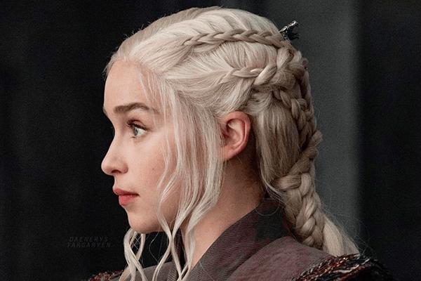 GoT-Fans aufgepasst: DIESES Geheimnis steckt hinter Daenerys aufwendiger Flechtfrisur