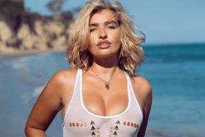 Sarina Nowak sexy wie nie: Dieser transparente Badeanzug bringt ihre Kurven perfekt zur Geltung