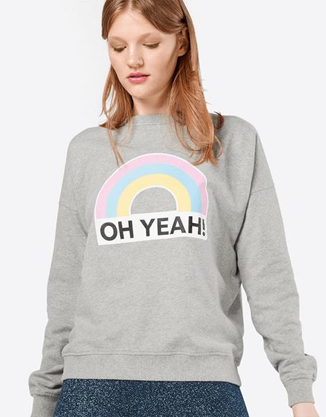 Mit Kleidung in Regenbogenfarben zaubern wir uns Freude in die trüben Tage