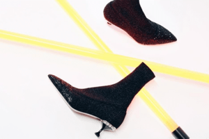 Socken Boots in schwarz mit Glitzer von Miumiu