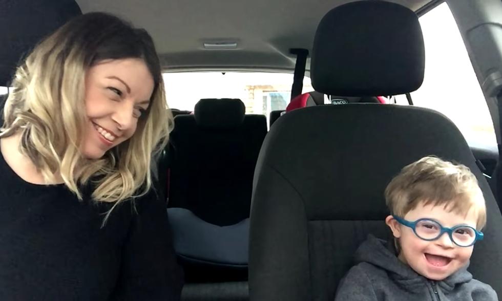 Dieses Carpool-Karaoke zum Welt-Down-Syndrom-Tag trifft mitten ins Herz