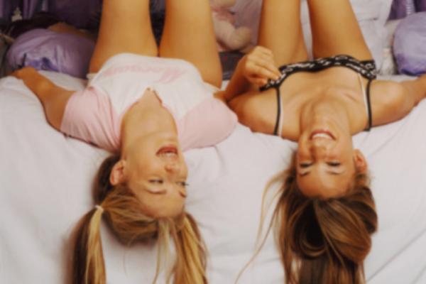 Warum wir alle mal wieder eine fette Pyjama-Party mit unserer BFF machen sollten