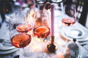 Dunkler Rosé-Wein