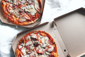 Pizza im Bett