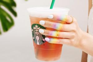 Starbucks als Vorreiter: Das Unternehmen zahlt Transgender-Mitarbeitern die Operationen